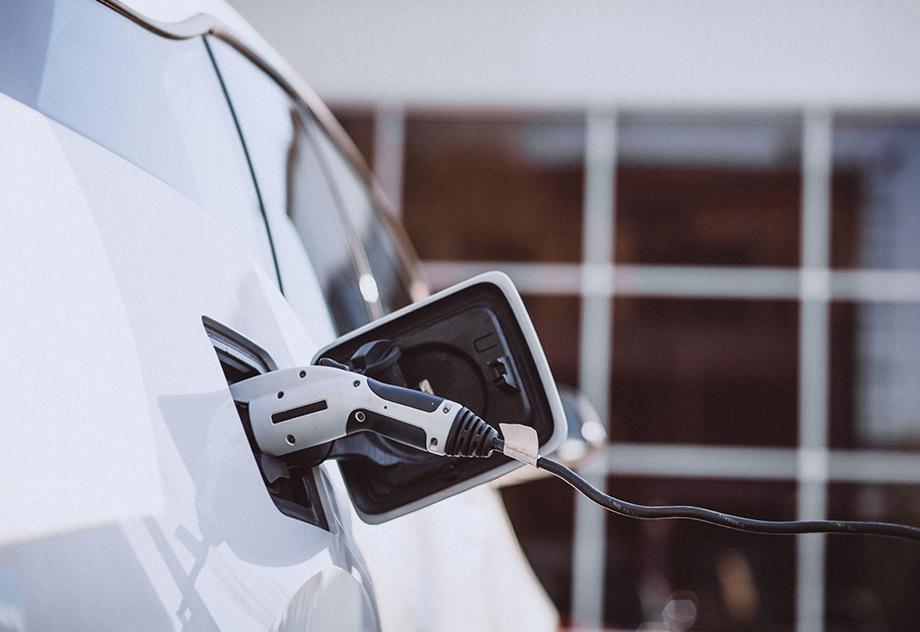 Aluminium, Electrifying The Future of Mobility