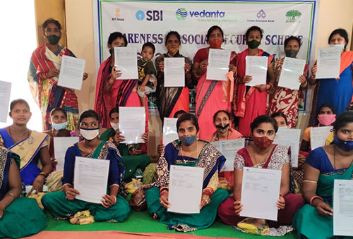 Vedanta enrols local communities in Government Social Security Schemes at Lanjigarh
