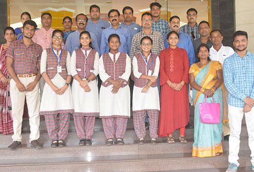 Vedanta felicitates meritorious students of DAV Public School Jharsuguda